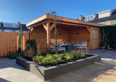 Moderne tuin met veranda in boskoop